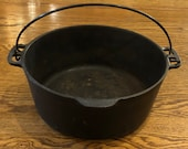 Authentic Vintage 1920 39 s - 1930 39 s Wagner Ware Sydney -O- 1268L Stylized Logo Cast Iron Dutch Oven With Assist Tab Bail Handle - No Lid