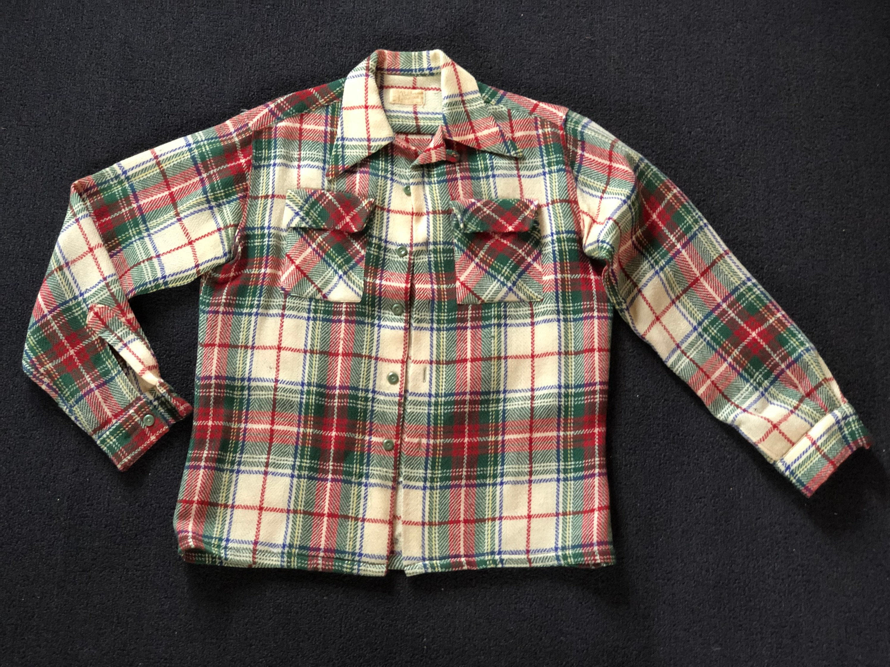 1940s Men's Shirts, Sweaters, Vests 1940s Mens Plaid Medium Wool Long Sleeve Shirt - California Sportsman Take It Easy Made in Image Of Man Swinging Golf Club $0.00 AT vintagedancer.com