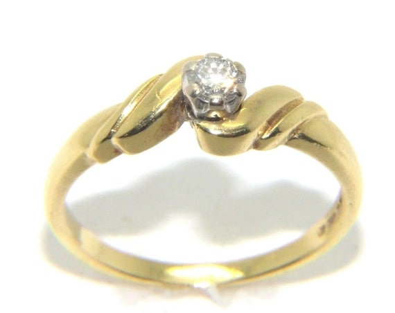 UK Hallmarked 9ct Yellow Gold 0.33ct Solitaire Ladies Engagement Ring size Q