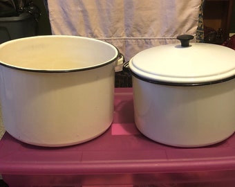 Large old enamelware set 12 quart & 10 quart with lid white with black trim circa 1950