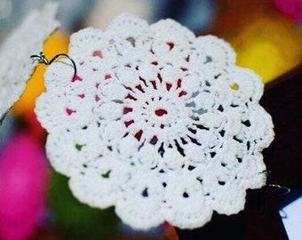 white lace earrings, crochet jewelry , tatted earrings, statement earrings, doily earrings, gifts for her, boho earrings, wedding earrings