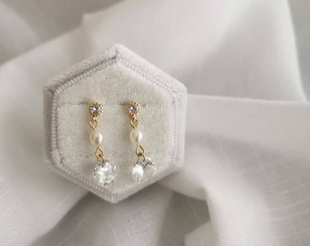 Minimalist fresh water pearl and swarovski dangling earrings