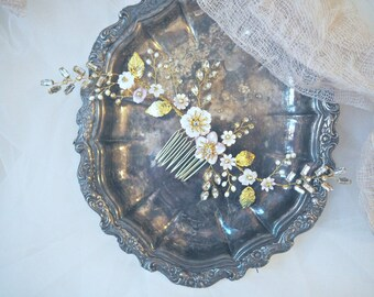 The pink Sophia mother of pearl and fresh water pearl bridal hair comb