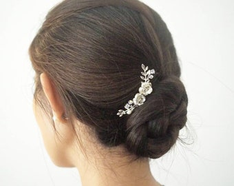 Minimalist Rose swarovski and fresh water pearl bridal hair comb