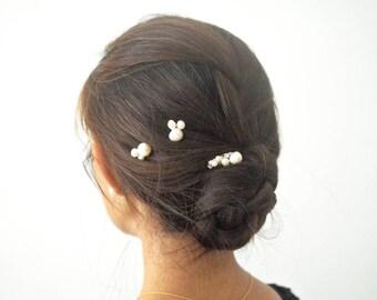 Silver tone fresh water pearl minimalist bridal hair comb and pin set