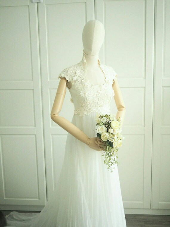 1970s vintage daisy floral lace wedding gown
