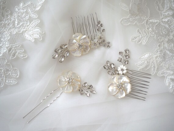 The Eugenia set of 3 mother of pearl blossom hair combs and pin
