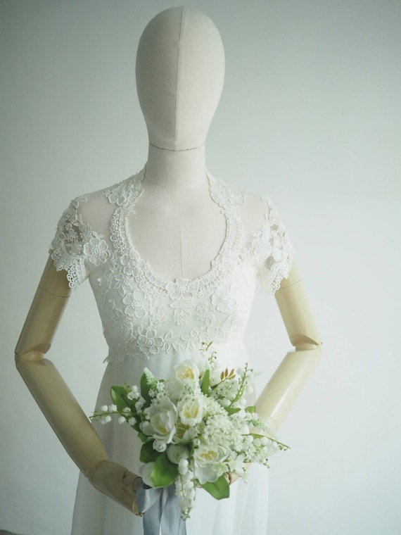 Sophisticated light vintage wedding dress XS
