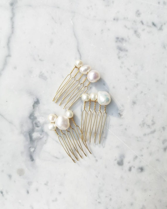 Fresh water pearl mini hair pin