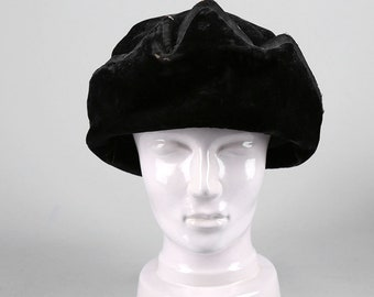 7046c955f2b Vintage 1920 s Black Velvet Hat Hollywood Women s Fashion Accesory Musketeer