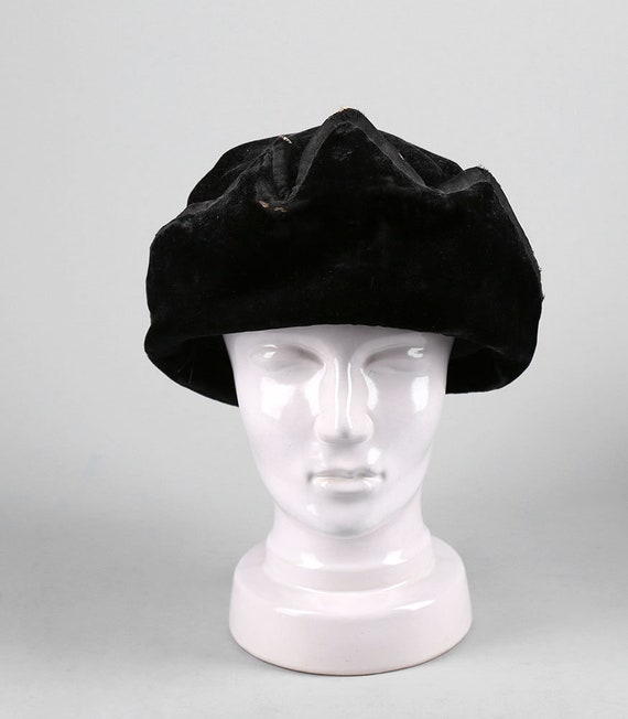 Vintage 1920 s Black Velvet Hat Hollywood Women s  0ebca06a69d4