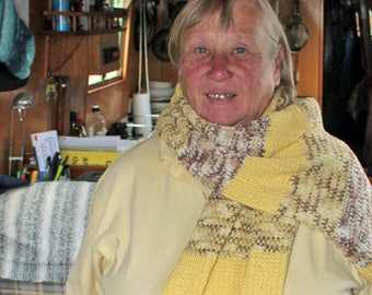 A lady's wrap from cotton based yarn