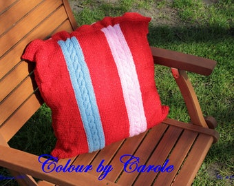 Cabled cushion cover