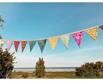 colorful pennant chain made of sarist open, 12 pennants, 3 meters