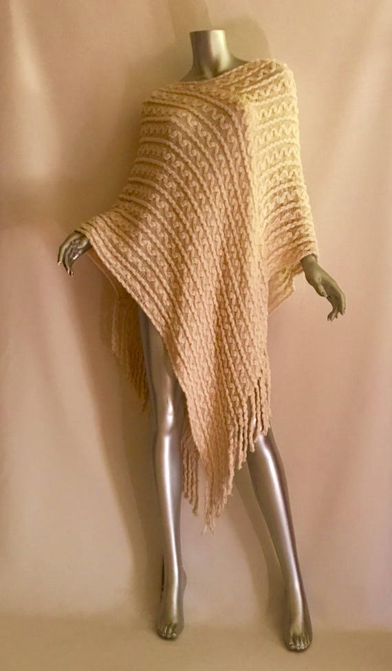 Vintage white knit poncho OS shall  cape  sweater
