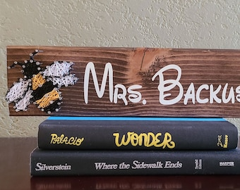 Bee name sign, Personalized String Art, Beekeeper Gift, Bee Sign, Last Name Sign, Personalized Wedding gift, Family Name Sign, teacher gift