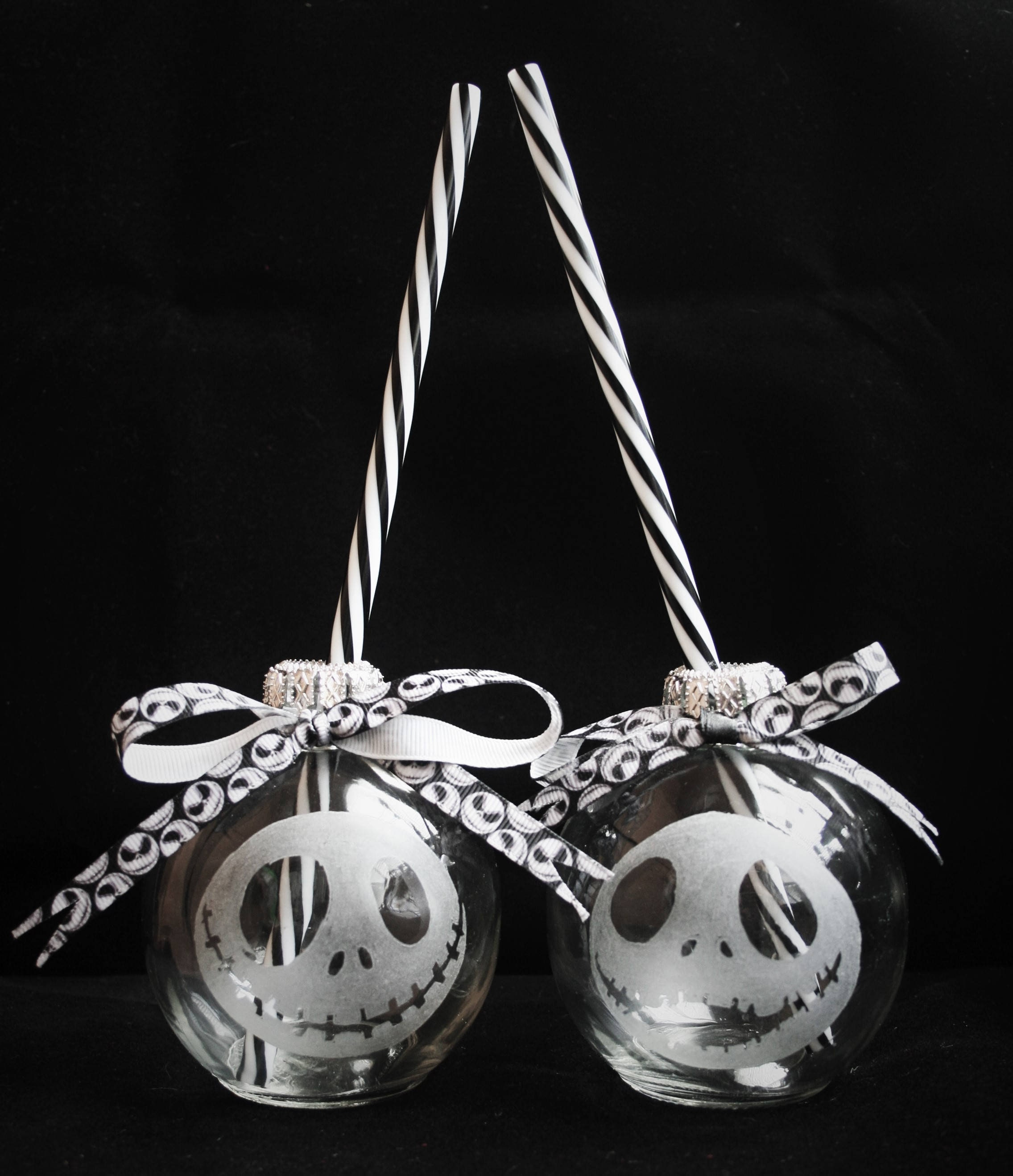 Nightmare Before Christmas Gifts Uk: Nightmare Before Christmas Glass Drinking Bauble Festive