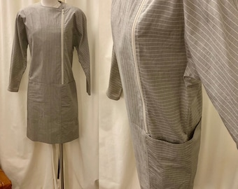 27cd7730b12 1980s Tan Tahari Office Wear   Pinstriped Midi Work Dress with Pockets and  Zipper Detail   Size Extra Small to Small