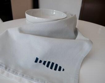Dish towel with decorative stitch