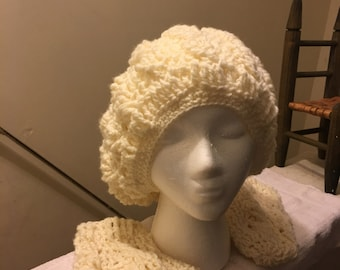 Cable Snow hat with mittens