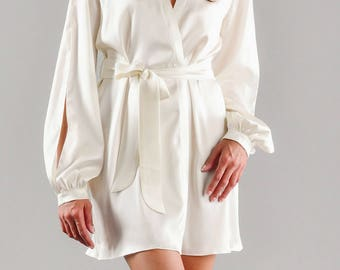 f48858c56b Short silk robe with open sleeves