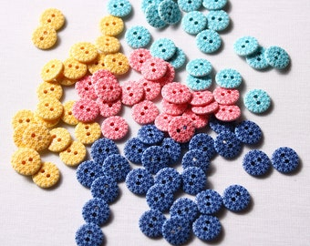 12mm, nylon, 2 hole buttons (6675)