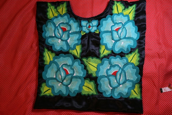 Embroidery mexican Blouse: Mexican tunic tradition