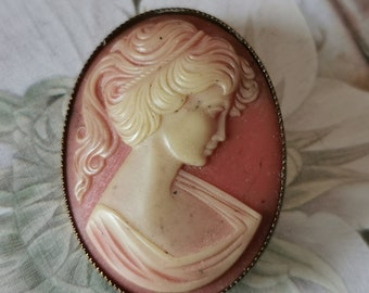 Gemme vintage cameo for Baroque Rococo festival, pendant and brooch, without chain, for the theatre costume or theme party