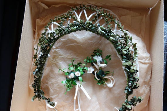 BREAKFAST FOR Green Wedding, Antique Tiara, 50's,