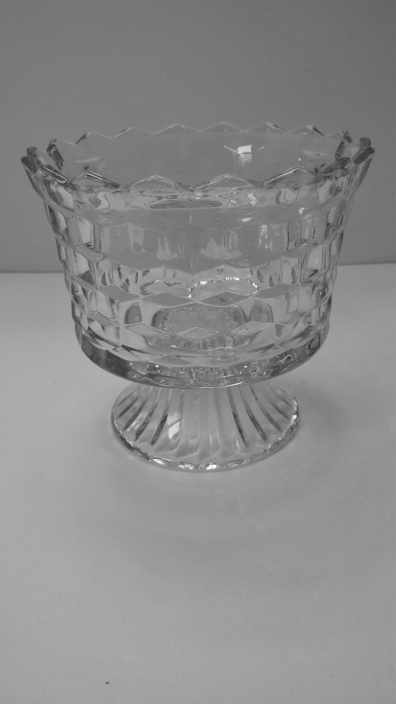 HOMCO Clear Glass Cube Design Lady Love CompoteCandy Dish