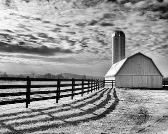 Black & White Farm Photo Barn Photo Farm Poster Printable Wall Art Landscape Print Nature Monochrome Print Farmhouse Decor Digital Download