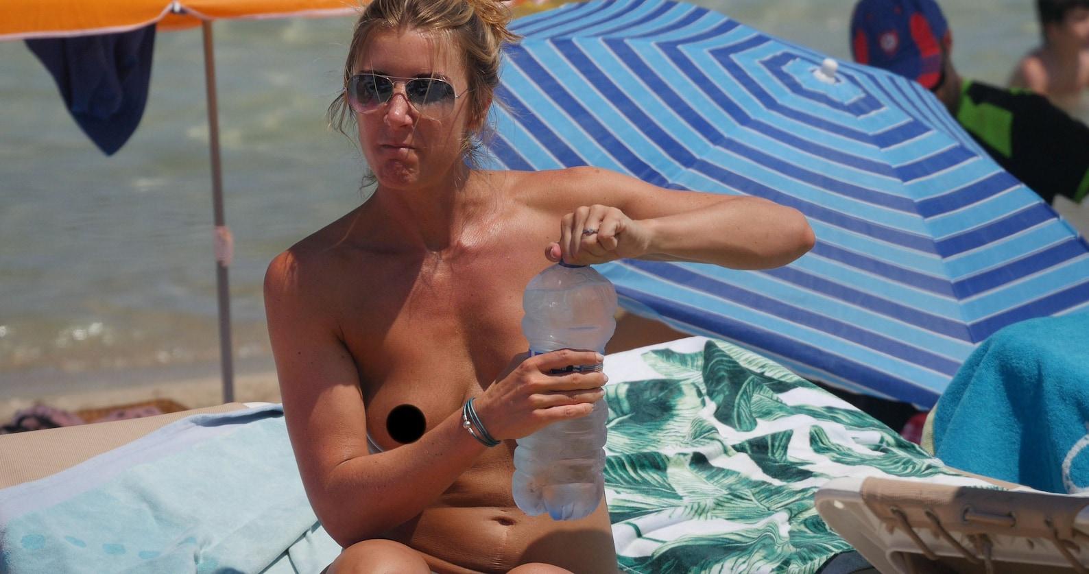 Jennifer aniston topless on beach high quality porn photo