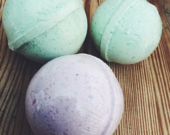 Bathbomb Set | Holiday Spa Gift | Vegan Bath Product | Bath Fizzy | Bridesmaid Gift | Custom Gift | Aromatherapy | Relaxation | Holiday Gift