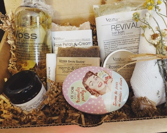 Wedding Gift -  Spa Gift Set – Personalized Gift - Romance Package - Gift for Him and Her - Newlywed Gift - Couple Gift - Romance Spa Box