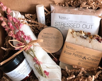 Rose Spa Gift Set – All-Natural Rose - Floral - Mineral Rich Skin Hydration - Relaxation & Restful Sleep - Gift - Luxury Spa Box - Gift Box