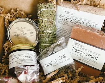 Christmas Gift Set – Vegan Holiday Box - Xmas Gift - Stocking Stuffers - Peppermint Sugar Scrub - SugarPlum Fairy Candle - Cypress Garland