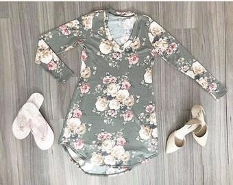 Dress Mylène women's clothing, Polyester/rayon/spandex pale khaki, pink and cream flowers