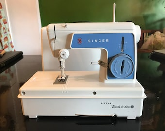 Vintage Singer Little Touch & Sew Childs Sewing Machine 1960's