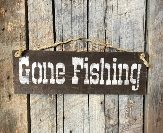 Gone Fishing Sign Pallet Wood Plaque Rustic Wall Decor Etsy Interesting Gone Fishing Signs Decor