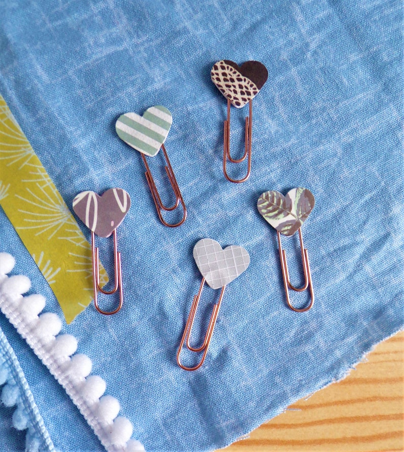 Mini Heart Paperclip Bookmarks  Rose Gold  Pack of 5 image 0