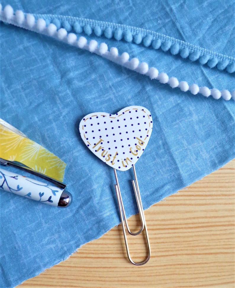Heart Paperclip Bookmark  Trust in God image 0