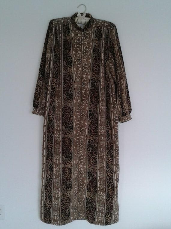 """Carole Baskin/Tiger King """"like"""" Vintage House Dres"""