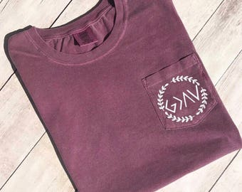 Short Sleeve // God is Greater than the Highs and Lows // Wreath // Comfort Colors Pocket Tee //