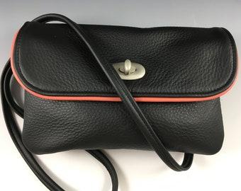 Leather horizontal cross-body multipocket purse, medium