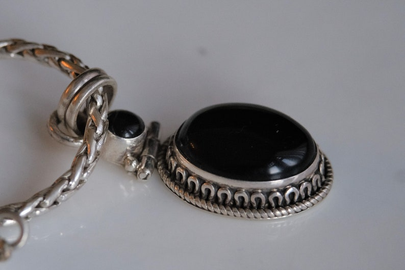 Vintage Sterling Silver Onyx Pendant with 18 inch Foxtail Weaved Chain