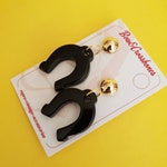 Delilah Horseshoe Stud Earrings - Black