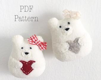 Sweetheart Bear Christmas Ornament Pattern, Felt Ornament Pattern, DIY Christmas Ornament, DIY Holiday Ornament, Christmas Crafts