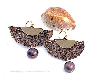 finger knitted brown-black colored earrings with fresh water pearls