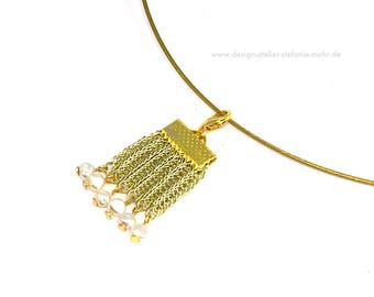 light gold coloured wire crochet pendant  with fresh water pearls