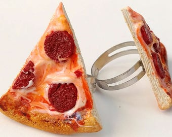 Realistic Pepperoni Pizza Ring food jewelry - Pizza Jewelry, Food Charms Polymer Clay